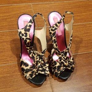 Betsy johnson leopoard sandals